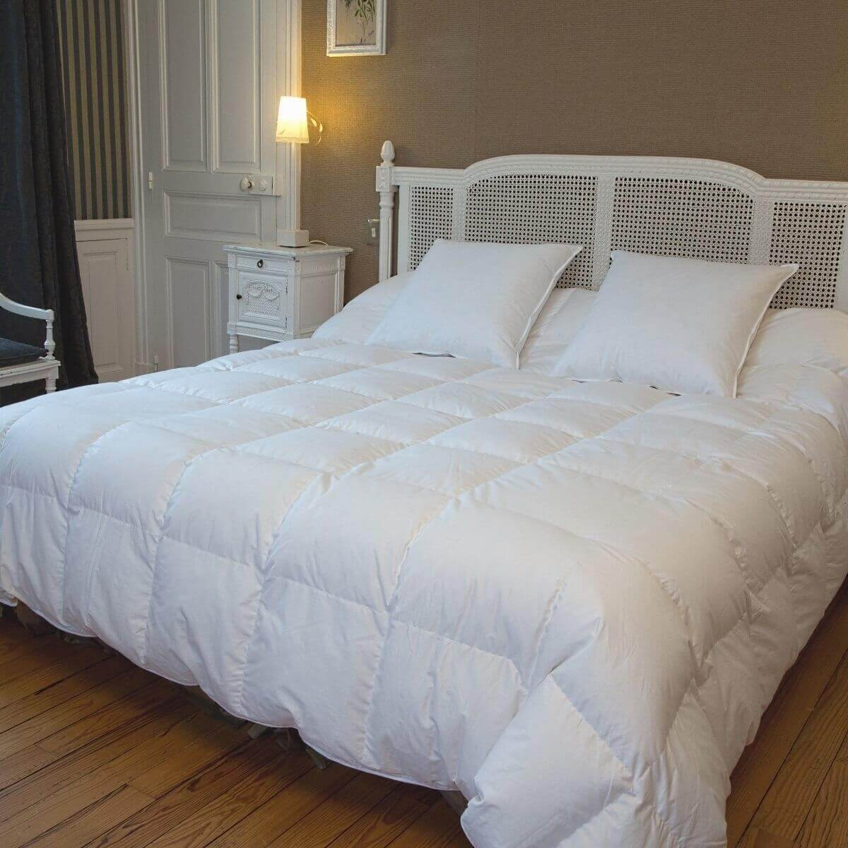 couette grande taille duvet d 39 oie chaude castex couettes naturelles. Black Bedroom Furniture Sets. Home Design Ideas